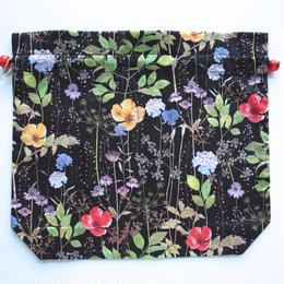 リバティトラベル巾着・イルマ(70%縮小サイズ柄)・ブラック