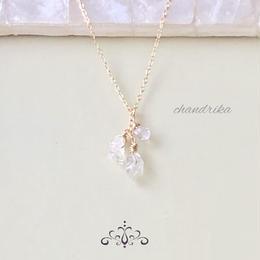 ハーキマーダイヤモンドのシャンデリアネックレス