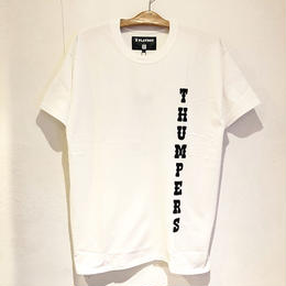 THUMPERS BROOKLYN NYC RHD DARTS TEE (WHITE, RED)