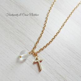 フロスト水晶と十字架のネックレス
