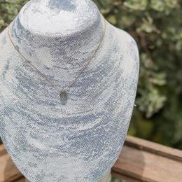 ラブラドライトの1粒 雫型ネックレス
