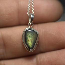 order pendant 035 stone no.383
