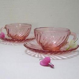 ARCOROC ピンクのエスプレスカップ&ソーサー
