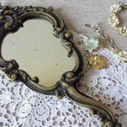 ロココ調モチーフの鏡
