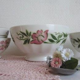 ピンクのお花モチーフのカフェオレボウル(大)