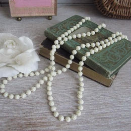 薔薇レリーフモチーフのネックレス