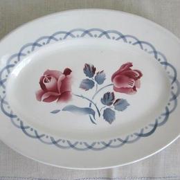 ディゴワン・サルグミンヌ薔薇とチューリップ柄楕円形皿(大)