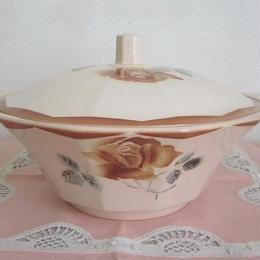 ディゴワン・サルグミンヌ窯薔薇モチーフスーピエール