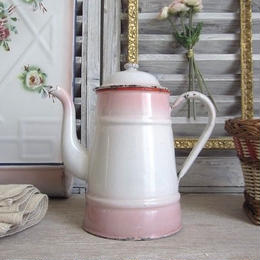 ピンクぼかしの琺瑯コーヒーポット