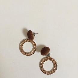 velor circle chain pierce