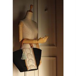 ビンテージレースと籐の持ち手のマルシェ