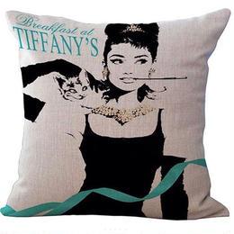 Tiffanyで朝食を オードリークッションカバー
