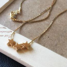 スウェッジチェーンの三星ネックレス