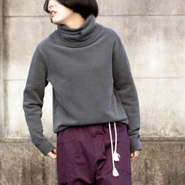 manon/pigment dyed  high-neck sweat(black)