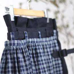 ASEEDONCLOUD/apron work skirt(vintage pique × country indigo check/navy)