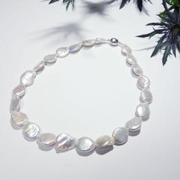 Baroque Pearl Necklace white