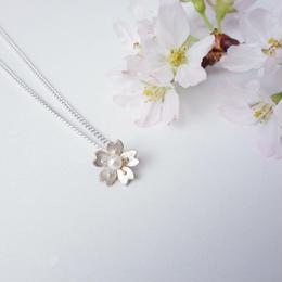 小桜のプチペンダント