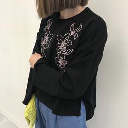 花柄刺繍入り裏毛プルオーバー(3color)【クリックポスト対象商品】