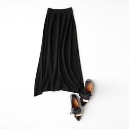 やわらかニットロングスカート