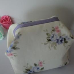 花柄ポーチ 薄紫