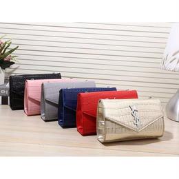 イブサンローラン ショルダーバッグ 人気新品 激安 ウィメンズファッション ピンク WPY0328
