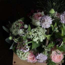 定期便 2か月毎 季節のグリーンや花のアレンジメントorブーケ M size