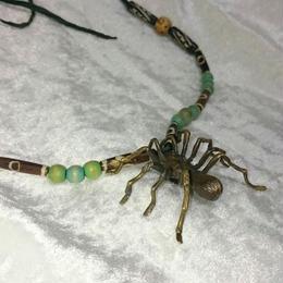 蜘蛛のネックレス