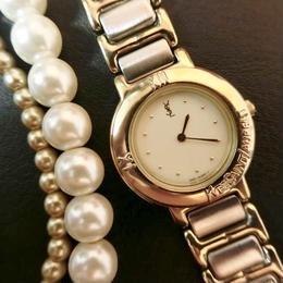 YSLイヴサンローランラウンド文字盤ホワイト腕時計