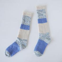 KUT1406A  ざっくり編みくつした ロング/ブルー