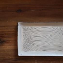 刷毛目幅広角皿 B-085