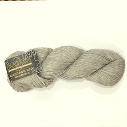 cascade 220 Heather 8011 AspenHeather 人気のライトグレー