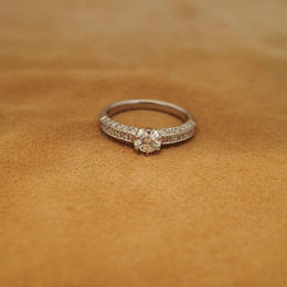 Gorgeous Diamond Platinum  Ring