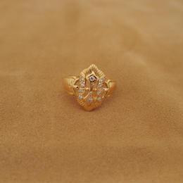 English Style Diamond Ring