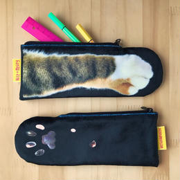 CAT PAW POUCH_fluffy_black_Tabby Tricolore