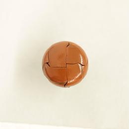 革ボタン(200-18-43) 18㎜  1個