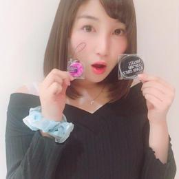 【鬼瓦トイ子サイン入り】メジャーデビュー記念缶バッチ&携帯ストラップ