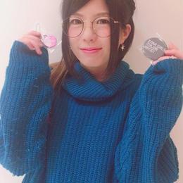 【DJ愛梨サイン入り】メジャーデビュー記念缶バッチ&携帯ストラップ