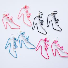 Arty Wire Pierced Earrings - hate heels