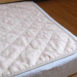 <お得なセットは8/31まで>洗えるリネン敷きパッドとシルクサテンシーツのセット