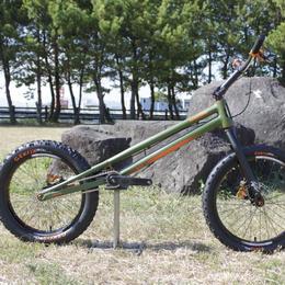 ROCKMAN  ASH トライアルバイク 20