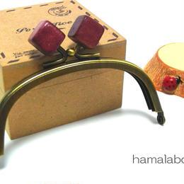 【HA-1389】10cm/くし型エンジ色の木キューブ×アンティークゴールド)