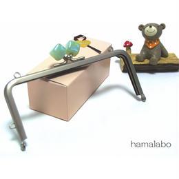 【HA-1379】13.5cm/角型(オーロラグリーン×ソフトシルバー)・カン付き