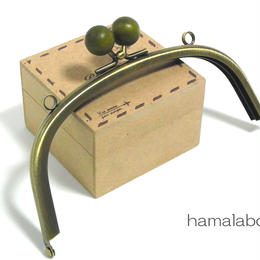 【HA-1417】15cm/くし型(抹茶色の木玉×アンティークゴールド)・カン付き