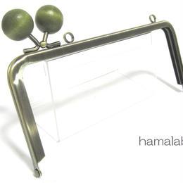 【HA-1383】<横ひねり>18cm/角型の口金(ちょっと大きな抹茶色の木玉×アンティークゴールド)・カン付き