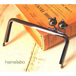9月21日販売開始!【HA-1506】<横ひねり>12cm/角型の口金(ネコ玉×ブラック)