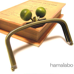 【HA-148】三枚口(二口口金)12cm/(抹茶色の木玉×アンティークゴールド)