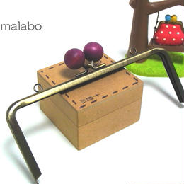【HA-1222】18cm/角型(ちょっと大きな紫色の木玉×アンティークゴールド)・カン付き