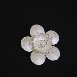 テルキャーリ銀線細工ブローチ125
