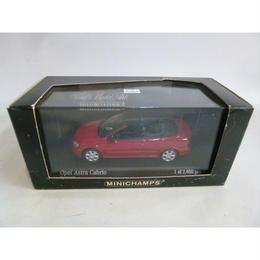 【中古】Opel Astra Cabiolet 2000 red 1/43 オペル アストラ カブリオレ 赤 MINICHAMPS 188-249SK
