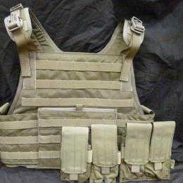 【中古】 FLYYE タクティカル ベスト CORDURA Tactical VEST 純正マガジンポーチ4個付き 179-275SK